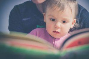 Czy warto czytać dzieciom bajki